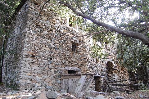 Les hameaux en ruines