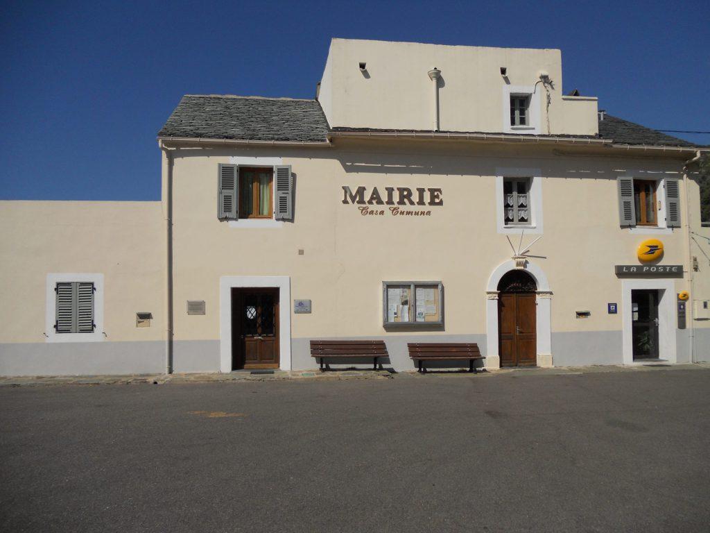 Mairie (ravalement de façades, 2009)
