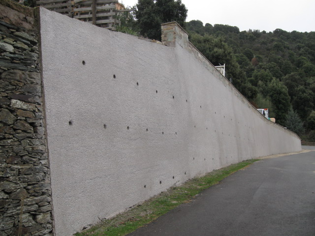 Réfection du mur (Pinzuta, 2009)