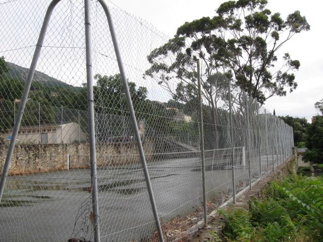 Clôture du terrain de tennis (2010)